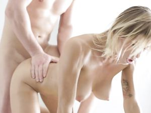Passionate Massage Table Fucking Of A Hot Blonde
