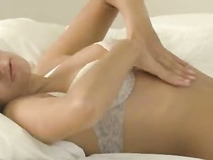 Beauty Gets All Worked Up And Fucks A Big Toy