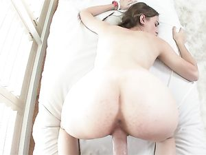Cute Cocksucker Tali Dova Wants To Get Fucked Too