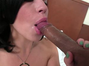 Classic Beauty Bella Noire Fucked In A Hotel Room